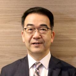 教授 投野 由紀夫氏